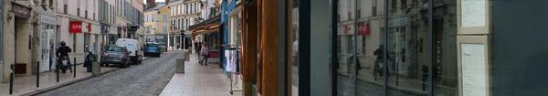 Les commerces de la rue du Général de Gaulle à Rambouillet ouverts en août