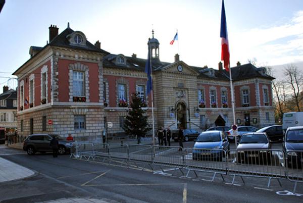 Tlphones la mairie de rambouillet for Rambouillet piscine